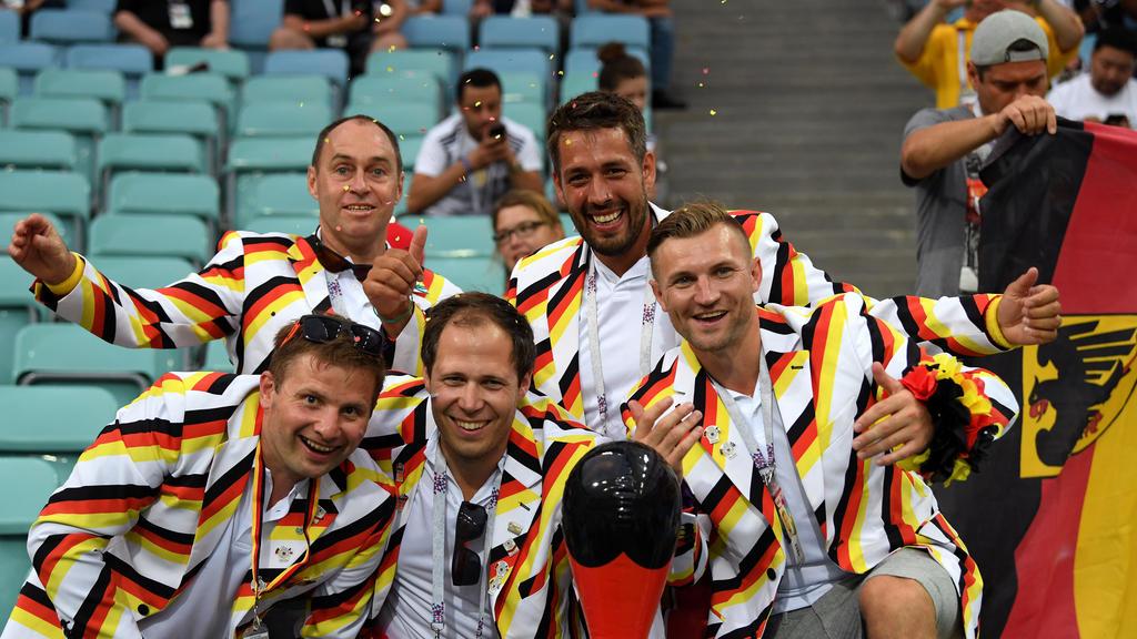 Konfetti: Die deutschen Fans sind guten Mutes
