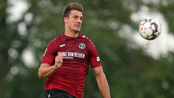 Stürmer Hendrik Weydandt ist nach seinen starken Leistungen zum Profi bei Hannover 96 befördert worden