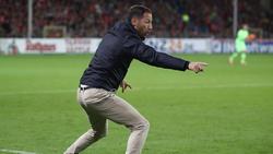 Domenico Tedesco wartet mit dem FC Schalke weiter auf die ersten Punkte