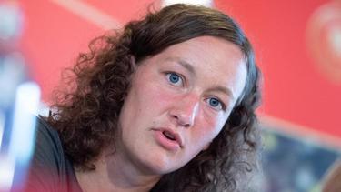 """Almuth Schult hinterfragt den Begriff """"Männerfußball"""""""