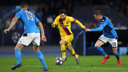 Lionel Messi (M.) blieb ein Treffer in Neapel verwehrt