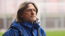 Norbert Elgert will Trainer der U19 des FC Schalke 04 bleiben