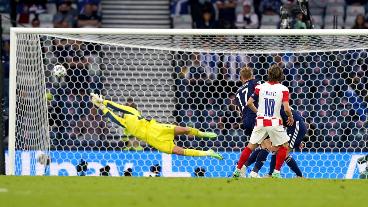 Routinier Luka Modric traf per Außenrist-Hammer zum 1:0