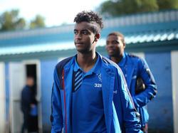 Gedion Zelalem maakt zich op voor de uitwedstrijd tegen Greenock Morton FC. De middenvelder wordt door Rangers FC gehuurd van Arsenal en krijgt flink wat speeltijd in Schotland. (27-09-2015)
