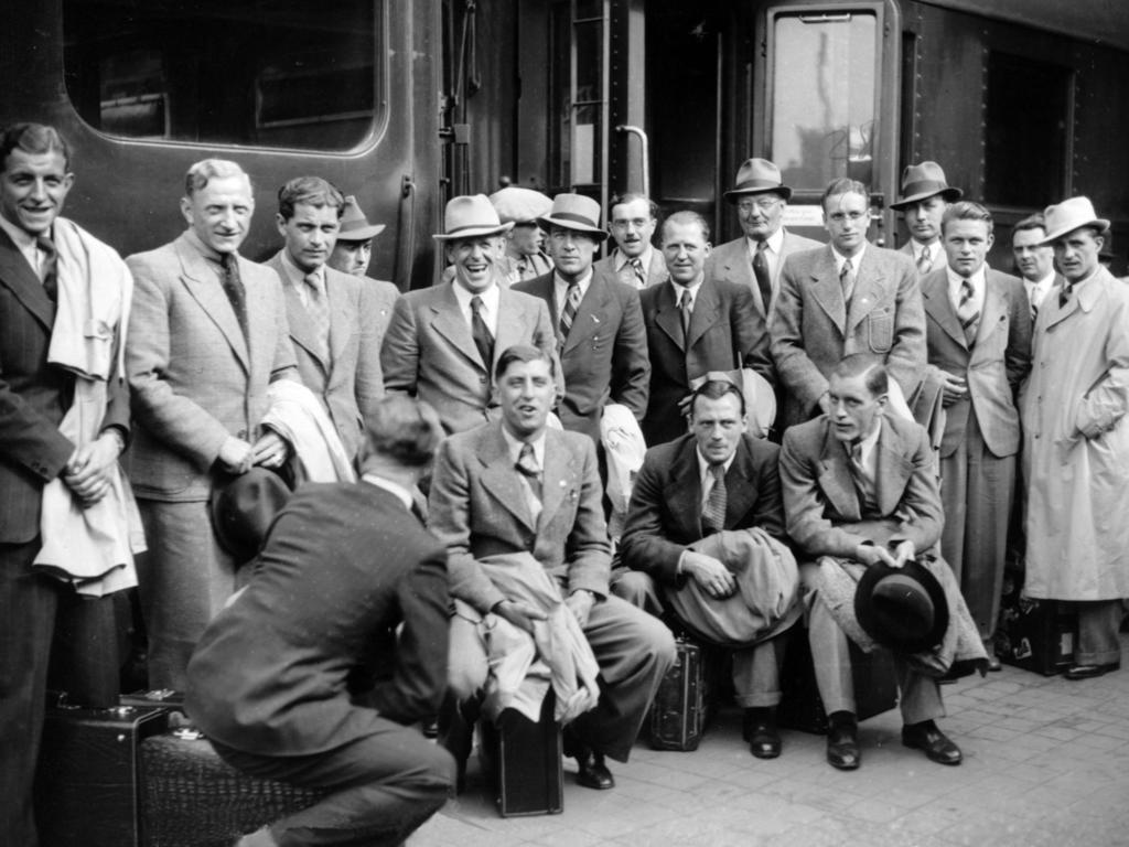 Die deutsche Mannschaft bei der Ankunft in Paris am 1. Juni 1938