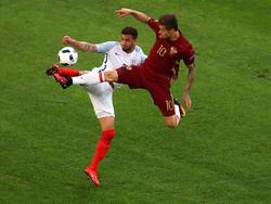 Setzt einzig auf sportliche Aggressivität: Russlands Fedor Smolov (r.)