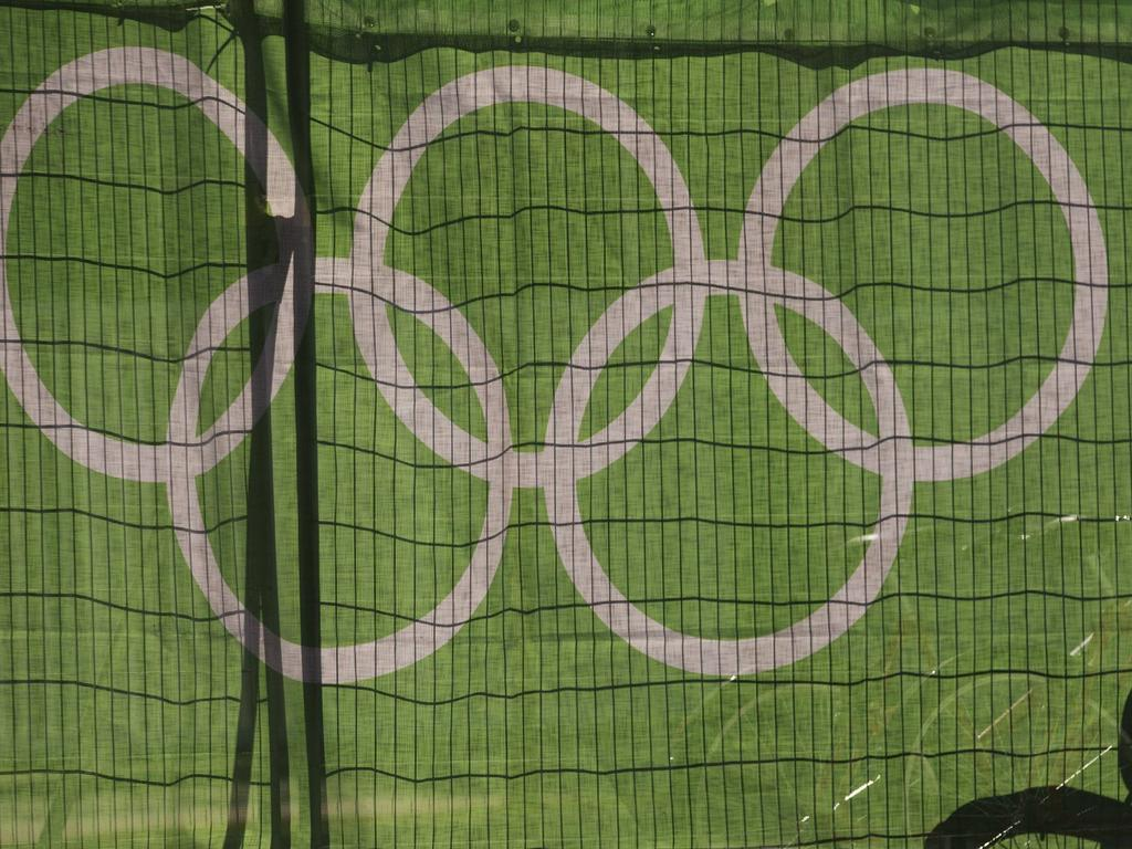Der Blick auf die Olympischen Ringe wird getrübt