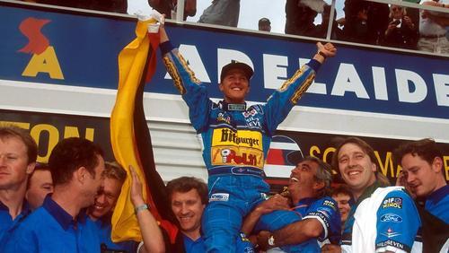 Michael Schumacher feiert seinen ersten Titelgewinn im Jahr 1994