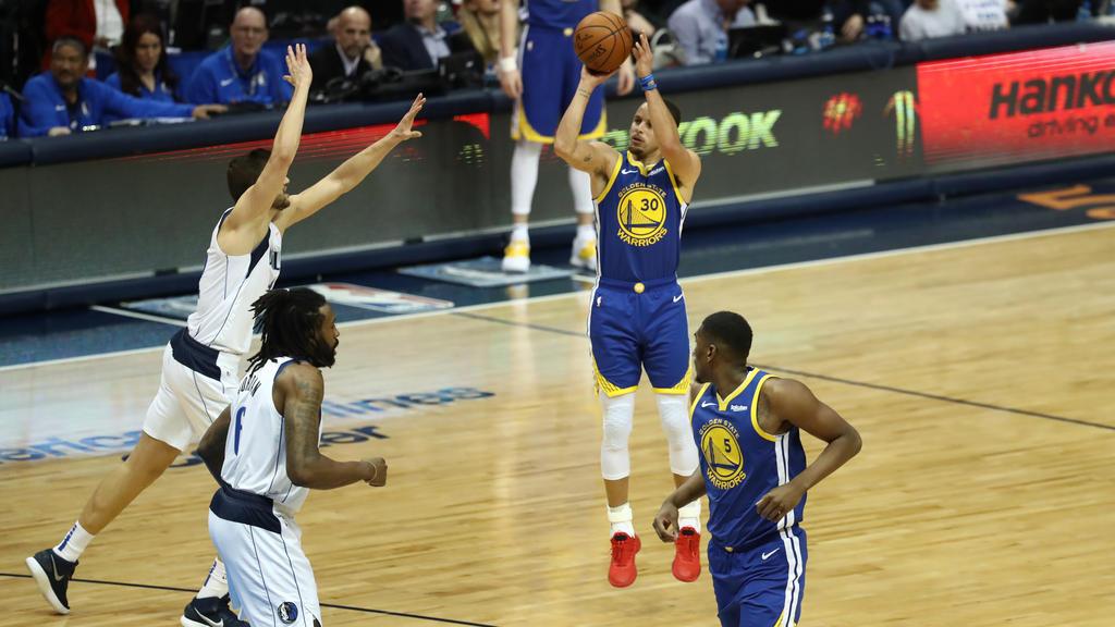 Stephen Curry erzielte gegen die Mavs 48 Punkte