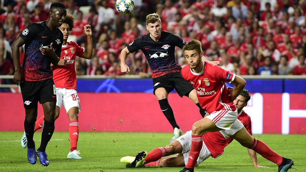 Timo Werner (m.) traf gegen Benfica doppelt