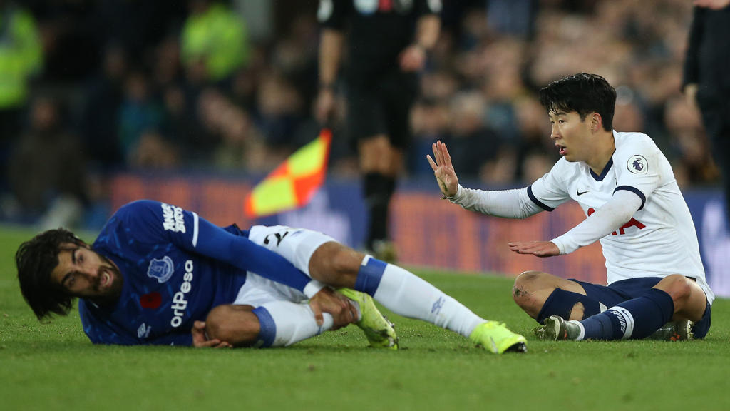 Premier League Diskutiert Nach Horrorverletzung Uber Var