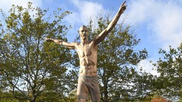 Erboste Fans beschädigten die Statue von Zlatan Ibrahimovic in Malmö