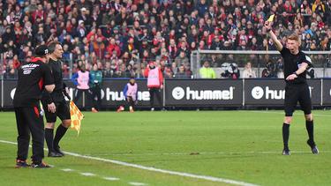 Paderborns Trainer Steffen Baumgart sah in der 79. Minute die Gelbe Karte
