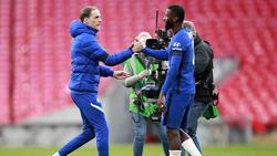 Der FC Chelsea möchte wohl Thomas Tuchel (l.) und Antonio Rüdiger (r.) halten
