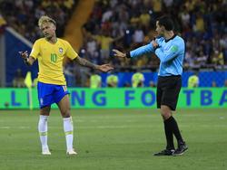 Die Brasilianer waren nicht zufrieden mit dem Schiedsrichter