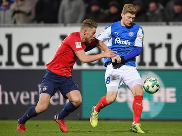 Die Würzburger Kickers haben Ibrahim Hajtic (l.) verpflichtet