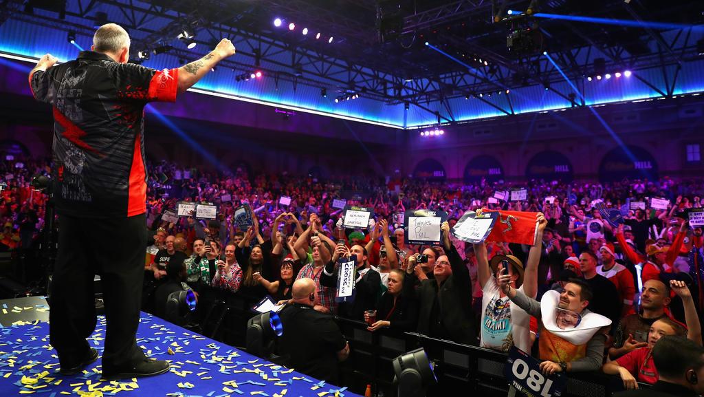 Darts-Legende Phil Taylor lässt sich feiern