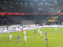 Der halbleere Gästesektor beim ersten Derby in der neuen Generali-Arena. © David Mayr