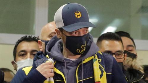 Mesut Özil ist bereits in der Türkei gelandet