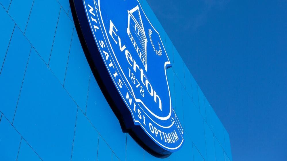 Der FC Everton wurde für Transfervergehen besraft