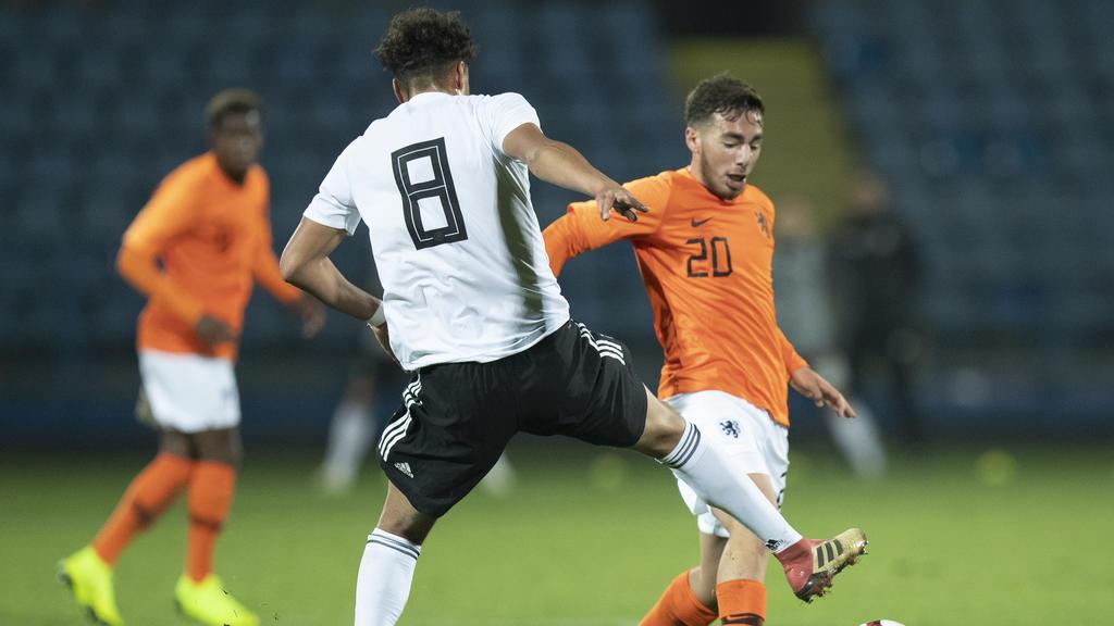 Orkun Kökcu (r.) machte sieben Länderspiele für die U19 der Niederlande