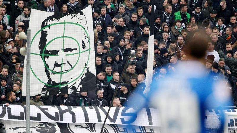 Wiederholte Schmähungen von Hoffenheim-Mäzen Dietmar Hopp waren für den DFB Anlass Zuschauerausschlüsse auszusprechen