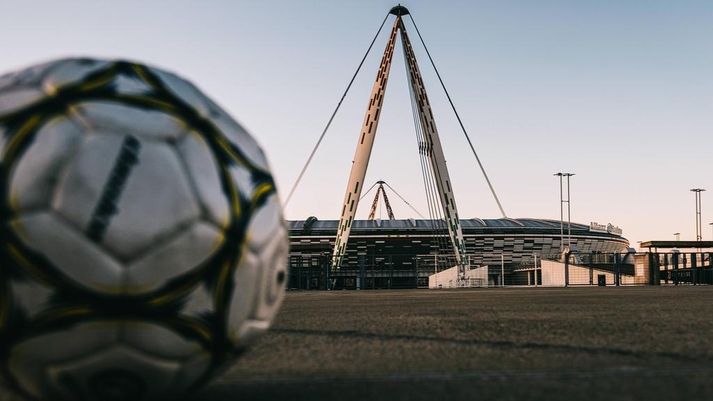 意大利关闭体育赛事的球迷,直到四月在病毒的恐惧