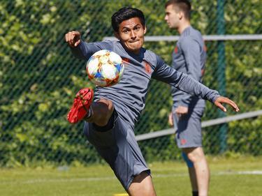Andy Najar en un entrenamiento con los belgas.