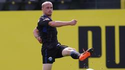 Stürmer Sven Michel verletzt sich am linken Knie