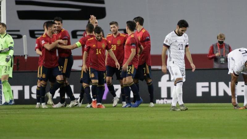 Enttäuschung bei Neuer und Co., Jubel bei Spanien: 6:0 fertigte der Gastgeber das DFB-Team ab