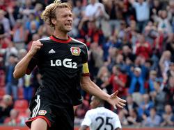 Leverkusen bleibt weiter oben dran