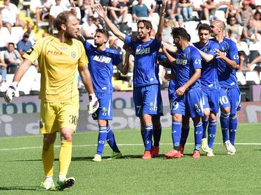Con 24 puntos, el Cesena ya no puede dar alcance al primer equipo fuera del descenso. (Foto: Getty)