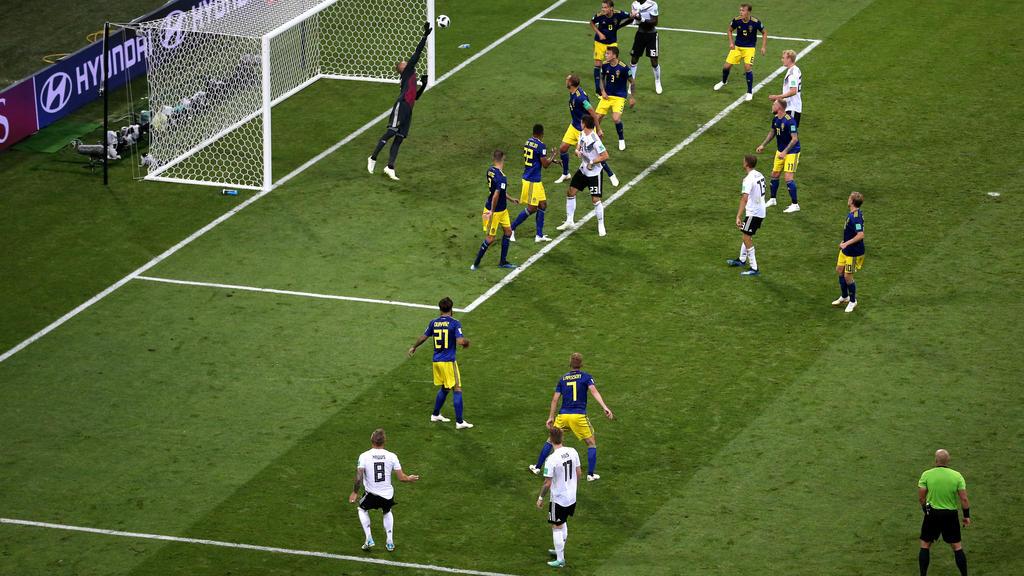 Kroos schoss Die Mannschaft zum Sieg gegen Schweden