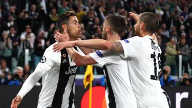 CR7 (l.) erzielte gegen Ajax einen historischen Treffer