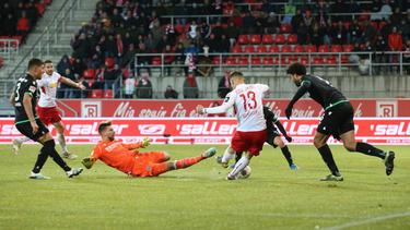 Regensburg siegte in einem umkämpften Spiel gegen Hannover