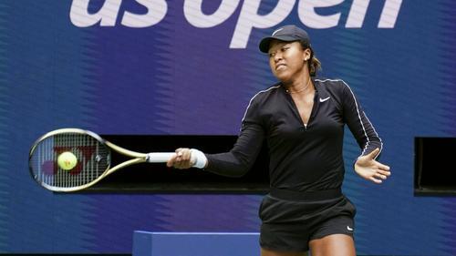 Naomi Osaka setzte sich in drei Sätzen durch