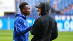 Rabbi Matondo vom FC Schalke 04 (l.) und Jadon Sancho vom BVB spielten in der Jugend für Manchester City