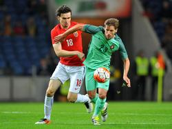 Adrien Silva (r.) hofft auf ein Weiterkommen Portugals.