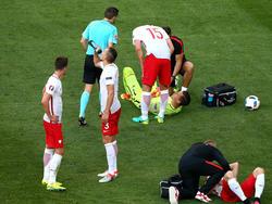 Torwart Wojciech Szczęsny (Mitte am Boden) wird Polen auch gegen dieUkraine fehlen