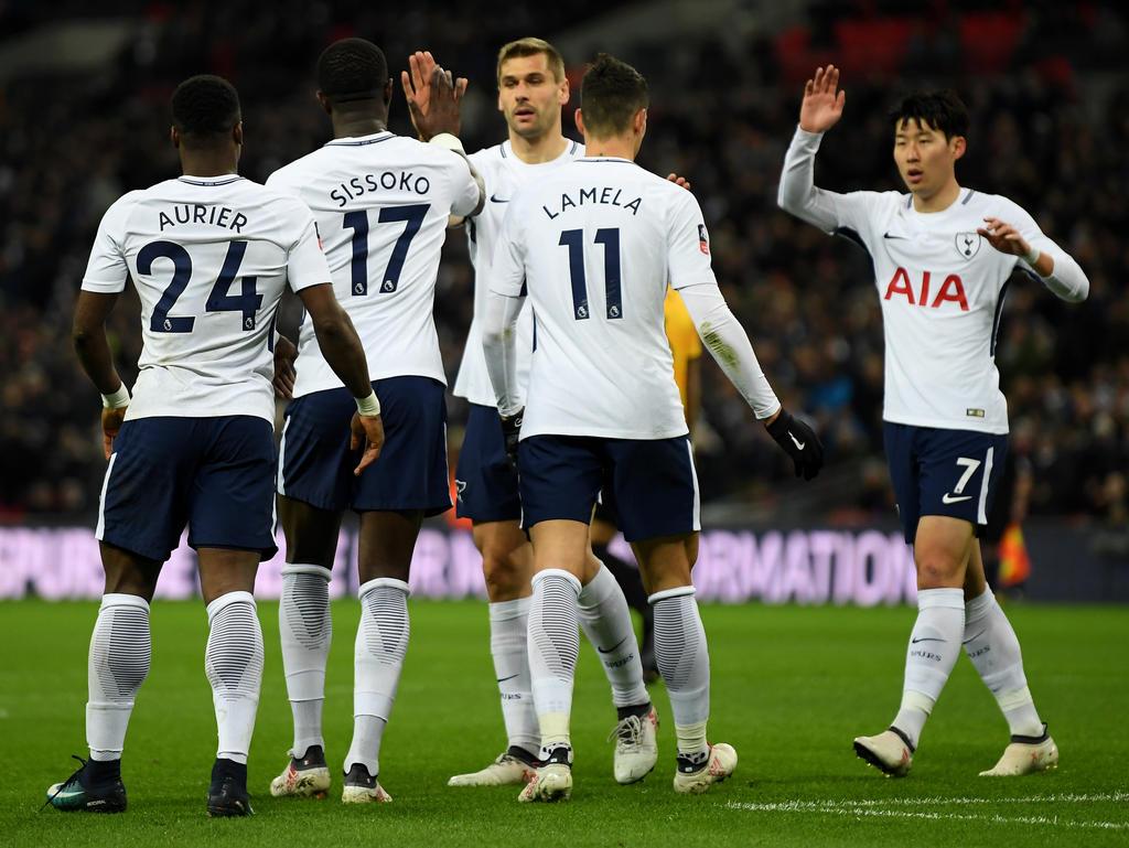 Los jugadores del Tottenham celebran el gol de Lamela. (Foto: Getty)