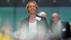 Martina Voss-Tecklenburg freut sich auf das Spiel gegen England