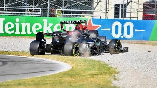 Lewis Hamilton und Max Verstappen nach der Kollision in Monza