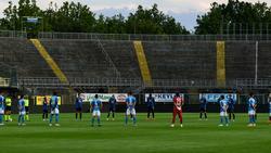 Schweigeminute im Gewiss Stadium in Bergamo