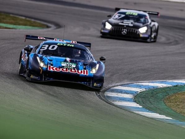 Aktuell ist der AF-Corse-Ferrari im Red-Bull-Design der Blickfang im DTM-Feld