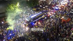 Die Fans von Boca Juniors wünschen ihrem Team viel Glück