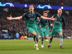 Fernando Llorente und Tottenham jubeln über den Halbfinaleinzug. © Getty Images/Laurence Griffiths
