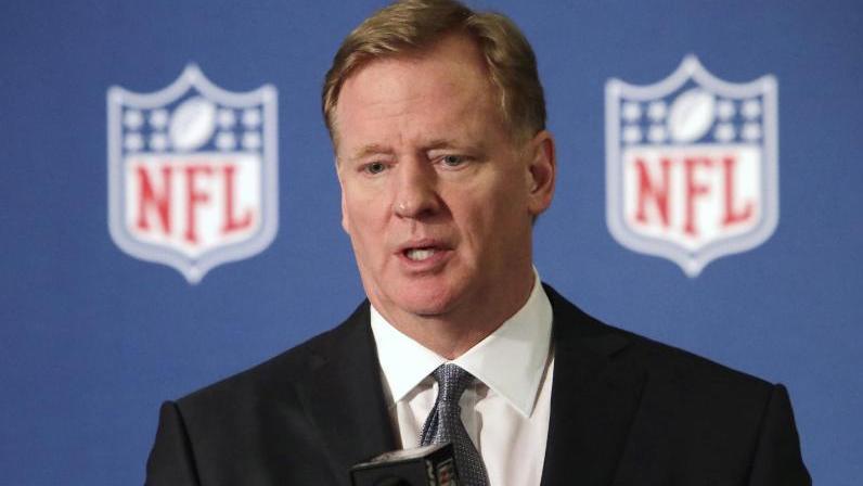 """""""Wenn er seine Karriere in der NFL fortsetzen möchte, braucht es ein Team, das diese Entscheidung trifft. Aber ich begrüße das, unterstütze einen Club, der diese Entscheidung trifft, und ermutige ihn, dies zu tun"""", sagt Roger Goodell"""