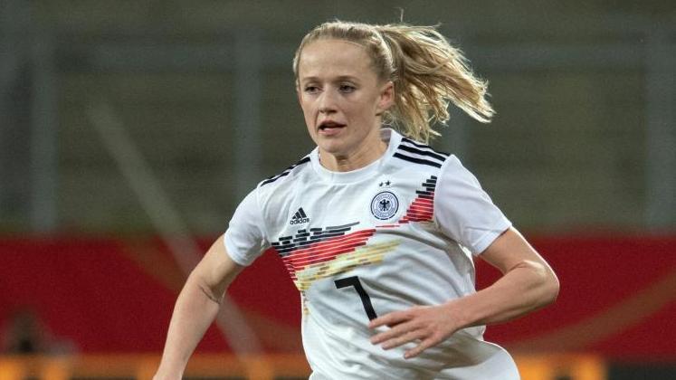 Lea Schüller geht für Deutschland auf Torejagd