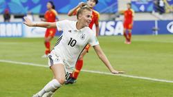 Laura Freigang bejubelt ihren Treffer zum 2:0