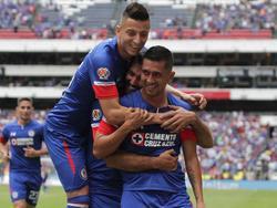 Elías Hernández celebra con sus compañeros una de sus dianas. (Foto: Imago)